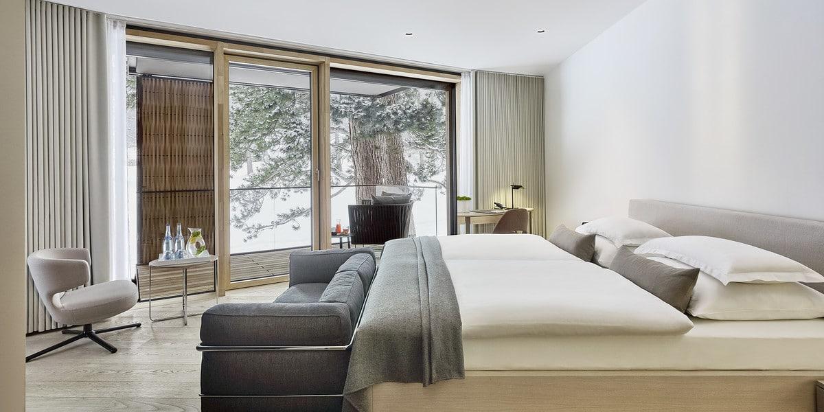 helles Schlafzimmer im Winter