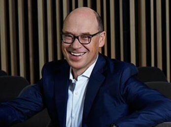 Portrait von Dr. Christian Harisch