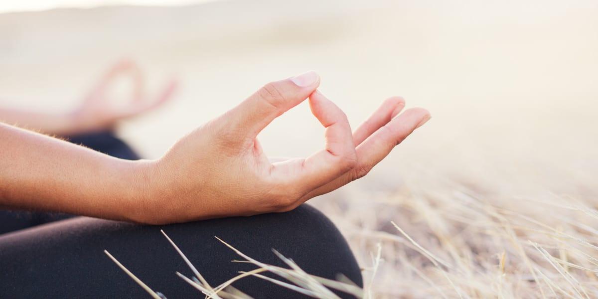 Hände beim Yoga