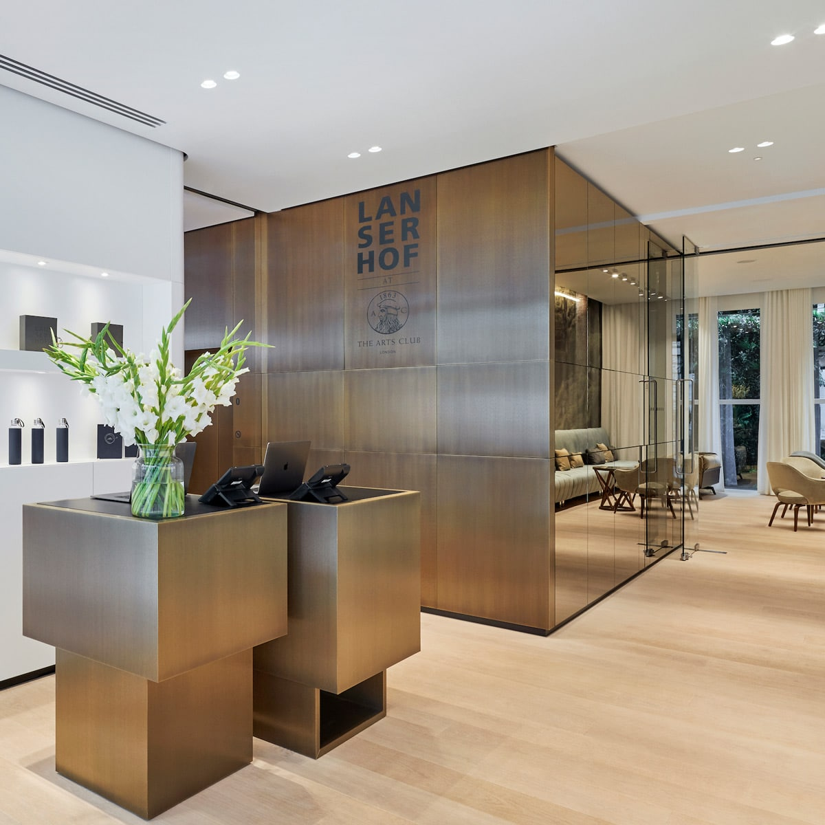 Eingangsbereich des Lanserhof at The Arts Club in London