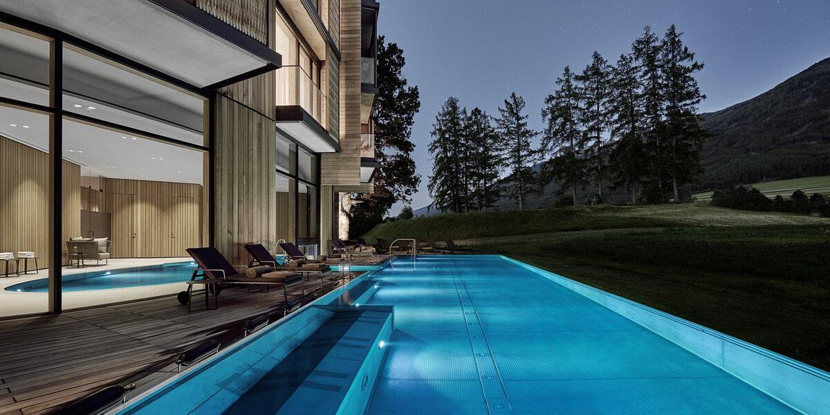 outdoor Pool Nacht