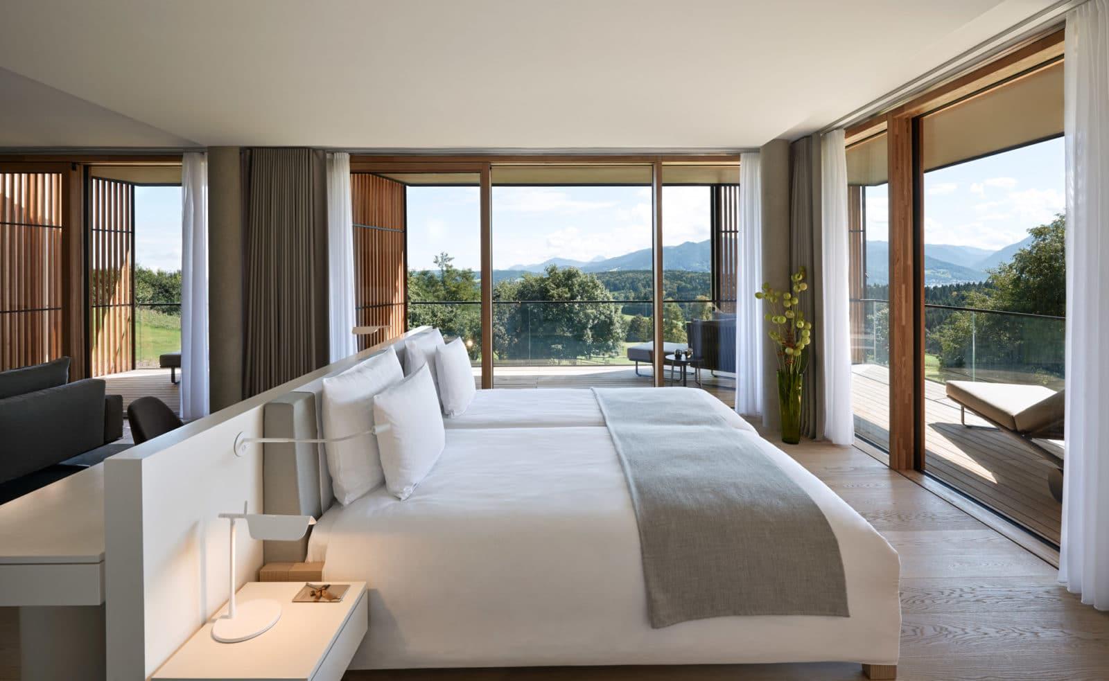 Elysium Loft Suite Schlafzimmer im Lanserhof Resort Tegernsee