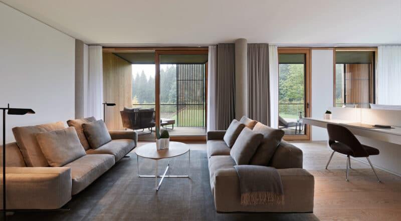 Infinitas Suite Wohnzimmer im Lanserhof Resort Tegernsee